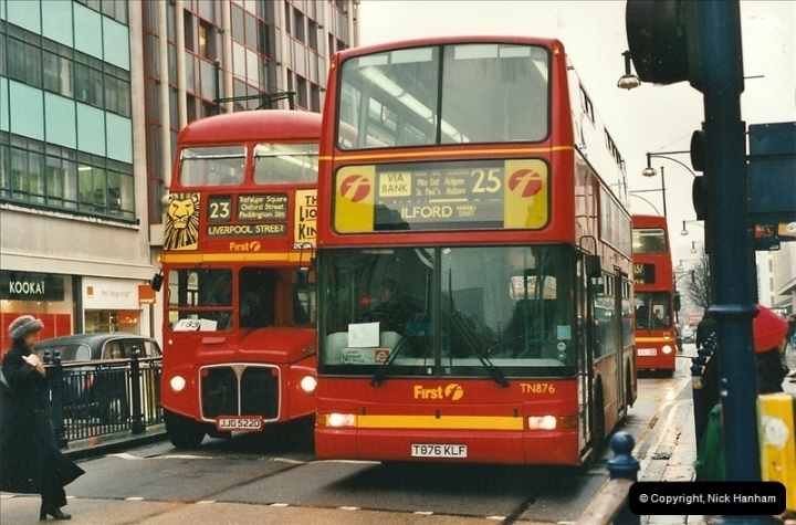 London Buses 1963 to 2007.  (517) 517