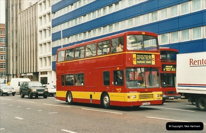 London Buses 1963 to 2007.  (525) 525