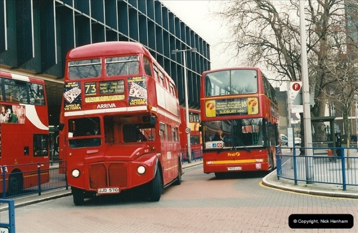 London Buses 1963 to 2007.  (528) 528