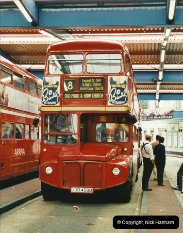 London Buses 1963 to 2007.  (562) 562