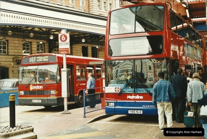 London Buses 1963 to 2007.  (571) 571