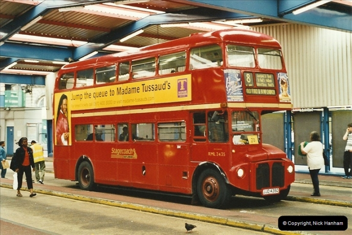 London Buses 1963 to 2007.  (572) 572