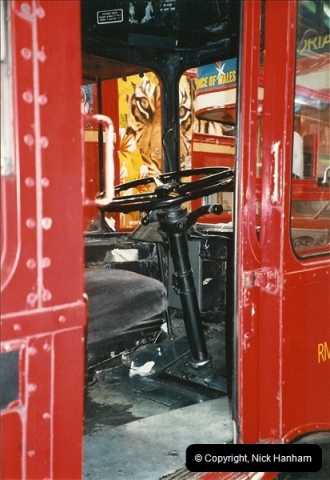London Buses 1963 to 2007.  (581) 581