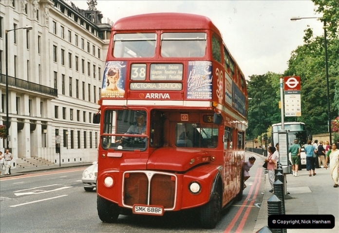 London Buses 1963 to 2007.  (582) 582