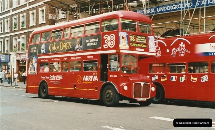 London Buses 1963 to 2007.  (585) 585