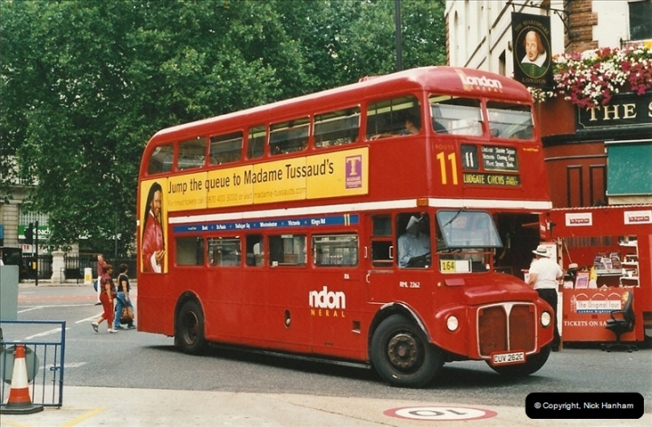 London Buses 1963 to 2007.  (588) 588