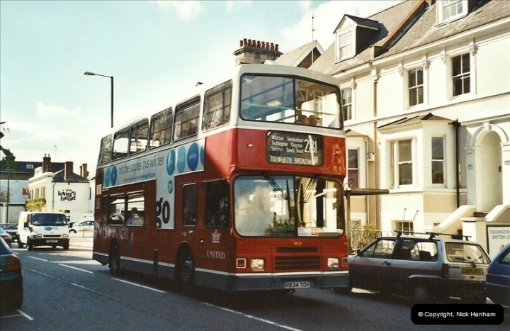 London Buses 1963 to 2007.  (592) 592