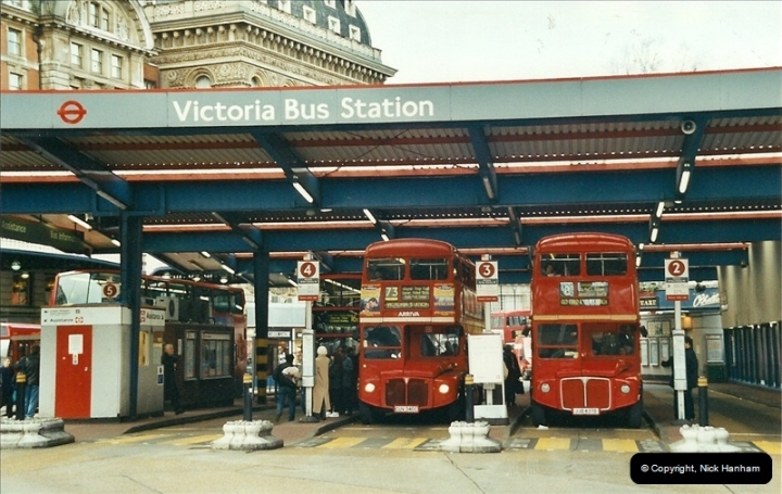 London Buses 1963 to 2007.  (609) 609
