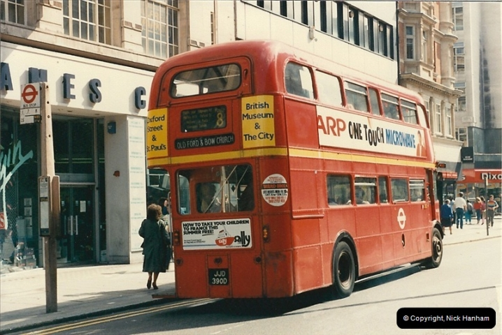 London Buses 1963 to 2007.  (61) 061