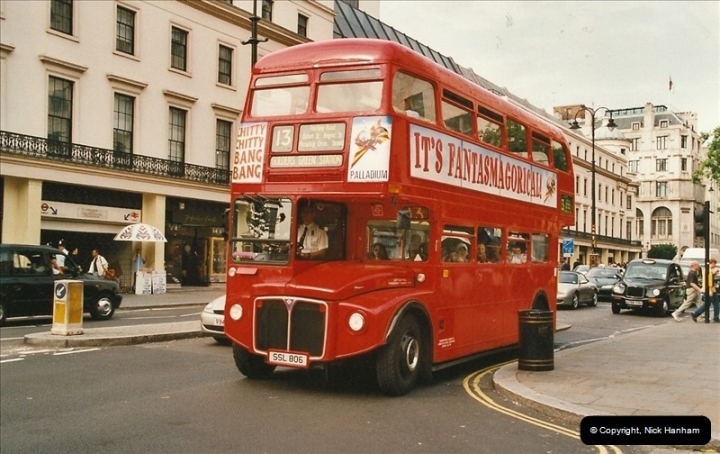 London Buses 1963 to 2007.  (621) 621