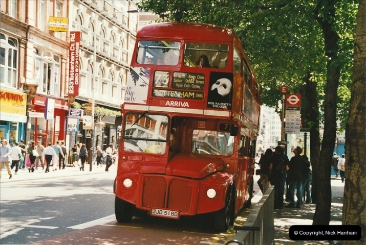 London Buses 1963 to 2007.  (633) 633