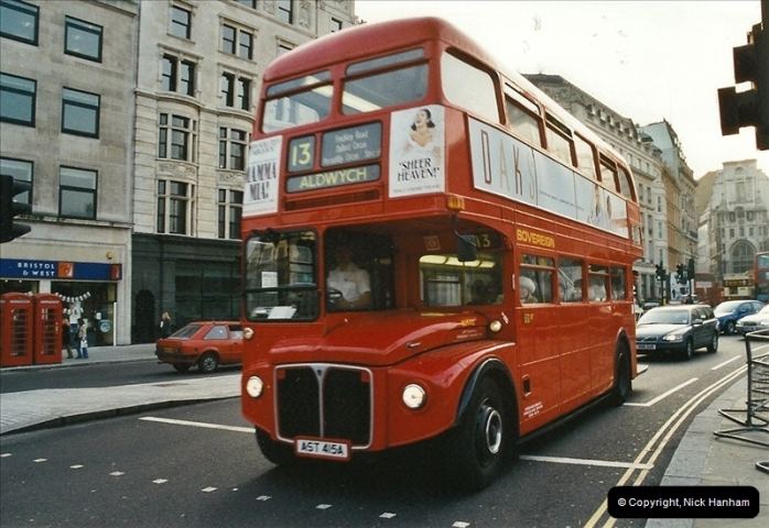 London Buses 1963 to 2007.  (650) 650