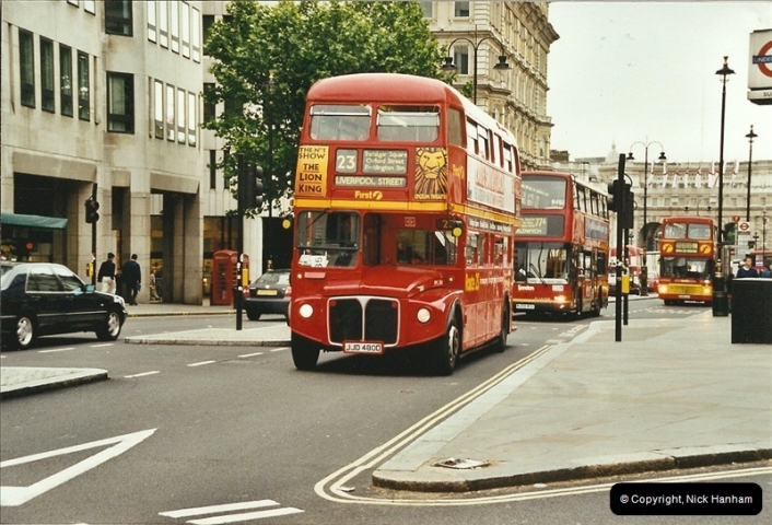 London Buses 1963 to 2007.  (662) 662