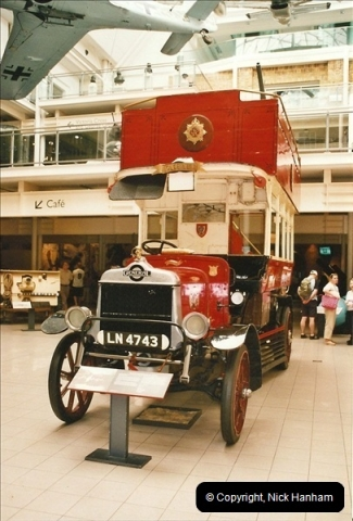 London Buses 1963 to 2007.  (674) 674