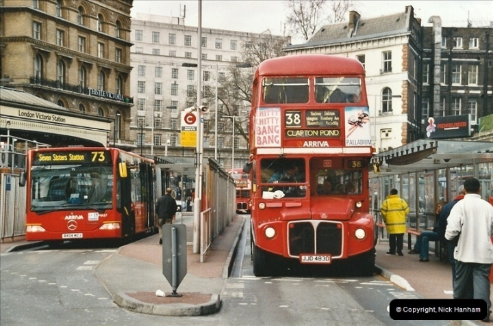 London Buses 1963 to 2007.  (687) 687