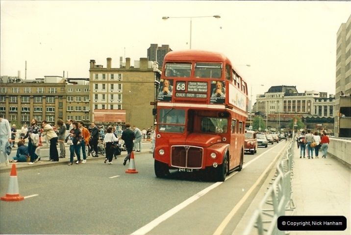 London Buses 1963 to 2007.  (71) 071