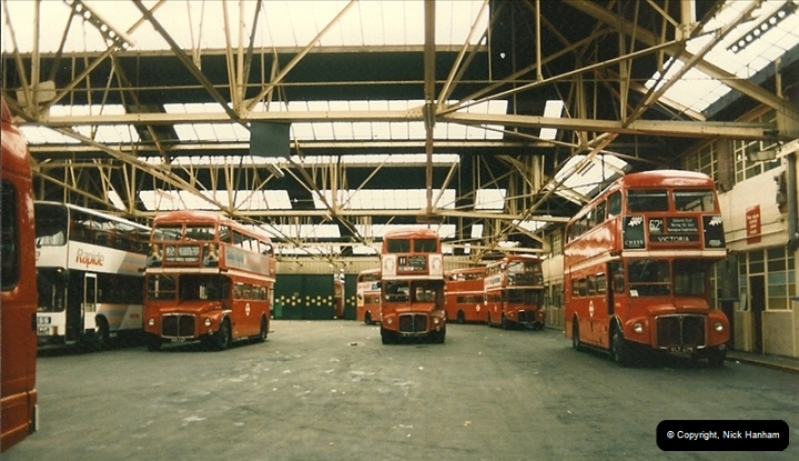 London Buses 1963 to 2007.  (72) 072