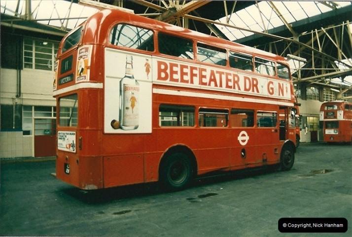London Buses 1963 to 2007.  (75) 075
