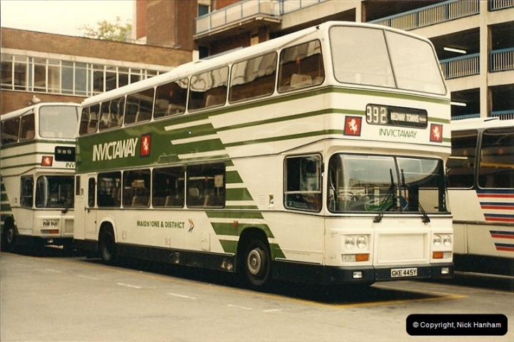 London Buses 1963 to 2007.  (83) 083