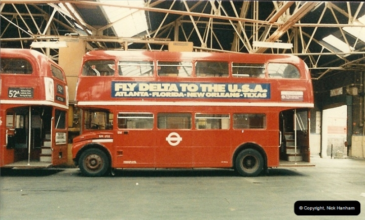 London Buses 1963 to 2007.  (87) 087