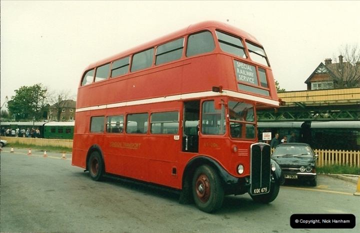 London Buses 1963 to 2007.  (93) 093