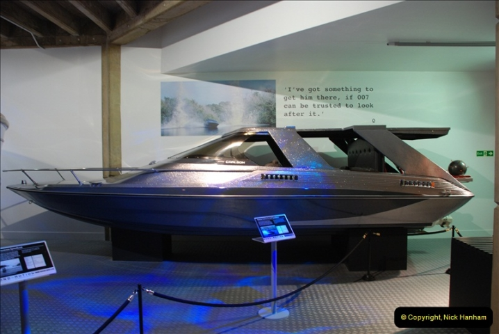 2012-06-25 The James Bond 007 Land, Sea & Air Collection.  (76)456
