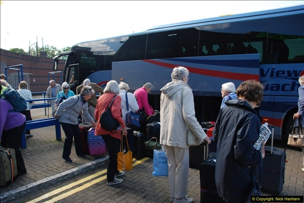 2016-05-14 Unloading in Bournemouth.  (102)102