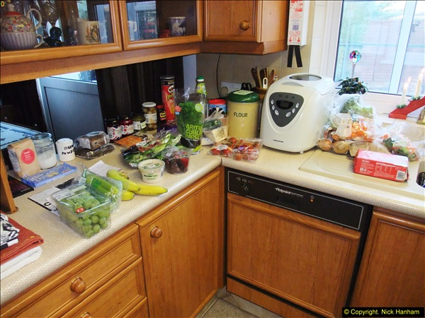 2014-12-31 & 2015-01-01 New Year Party food preparation.  (2)002