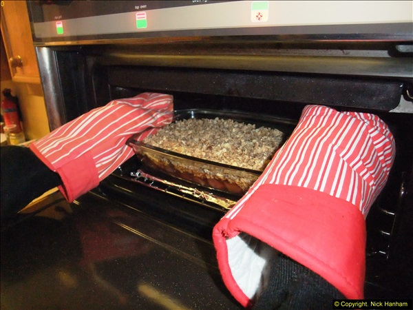 2014-12-31 & 2015-01-01 New Year Party food preparation.  (59)059