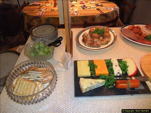 2014-12-31 & 2015-01-01 New Year Party food preparation.  (81)081