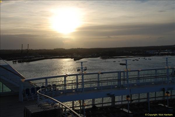 2015-12-09 Southampton and P&O Oriana. (125)125