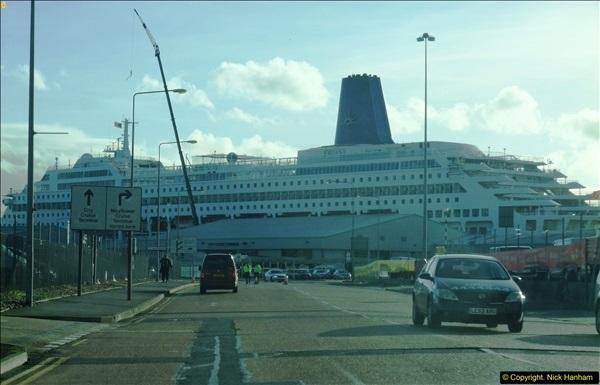 2015-12-09 Southampton and P&O Oriana. (3)003