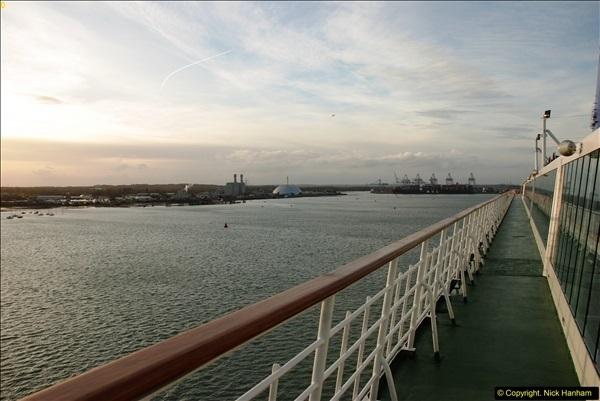 2015-12-09 Southampton and P&O Oriana. (68)068