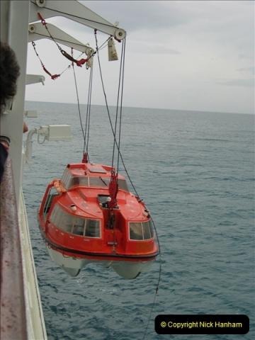 2005-11-15 Isla da Providencia (Columbia) Unable to tender in due to rough sea (10)159