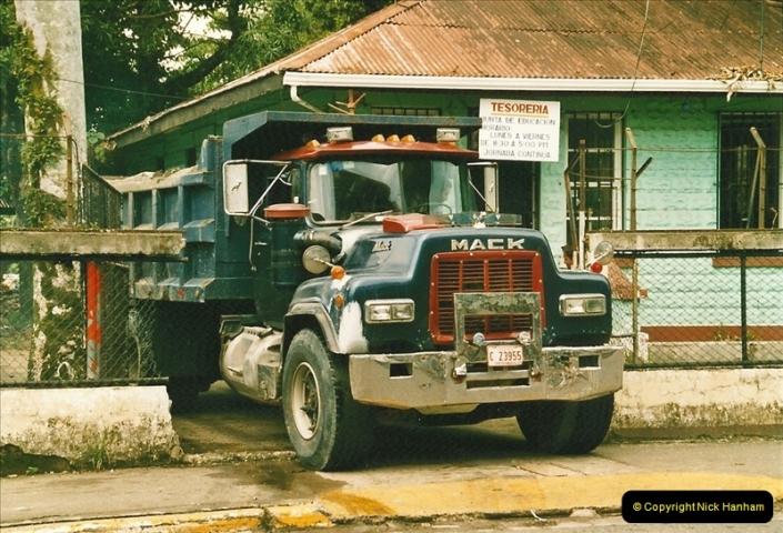2005-11-16 Puerto Limon, Costa Rica.  (29)196