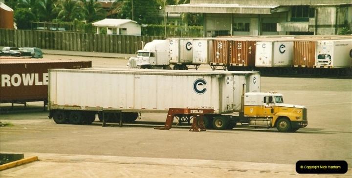 2005-11-16 Puerto Limon, Costa Rica.  (35)202