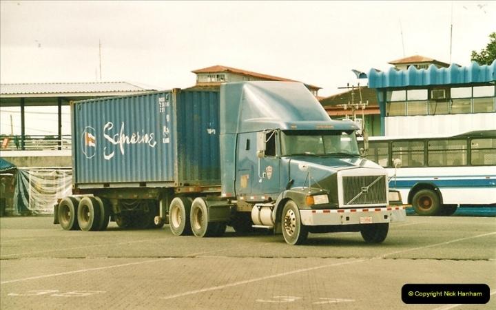 2005-11-16 Puerto Limon, Costa Rica.  (46)213