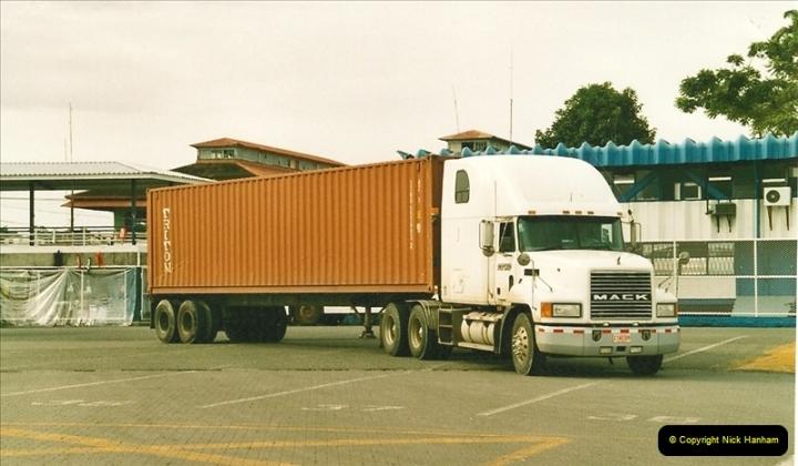 2005-11-16 Puerto Limon, Costa Rica.  (47)214