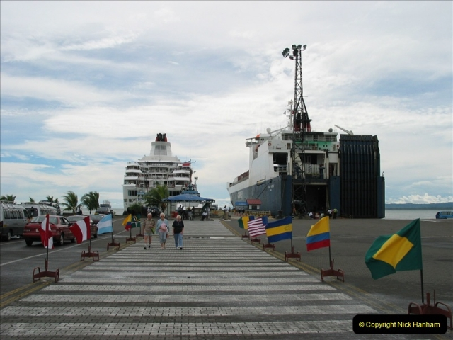 2005-11-16 Puerto Limon, Costa Rica.  (55)222