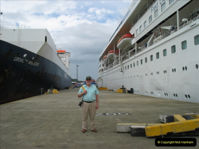 2005-11-16 Puerto Limon, Costa Rica.  (87)254