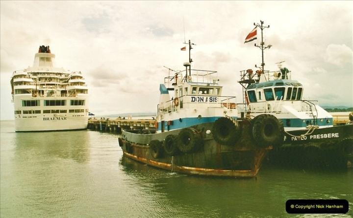 2005-11-16 Puerto Limon, Costa Rica.  (96)263