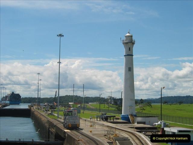 2005-11-18 PANAMA CANAL TRANSIT.  (10)334