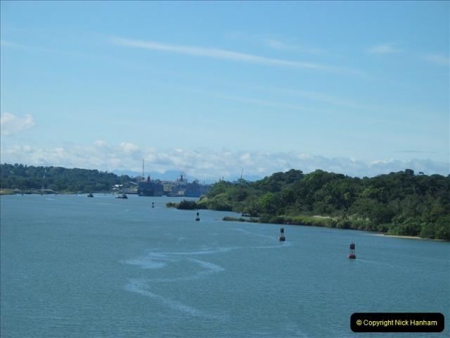 2005-11-18 PANAMA CANAL TRANSIT.  (1)325