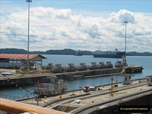 2005-11-18 PANAMA CANAL TRANSIT.  (15)339