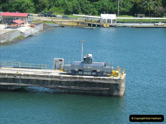 2005-11-18 PANAMA CANAL TRANSIT.  (18)342