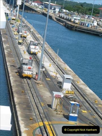 2005-11-18 PANAMA CANAL TRANSIT.  (19)343