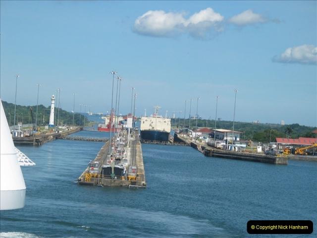 2005-11-18 PANAMA CANAL TRANSIT.  (22)346