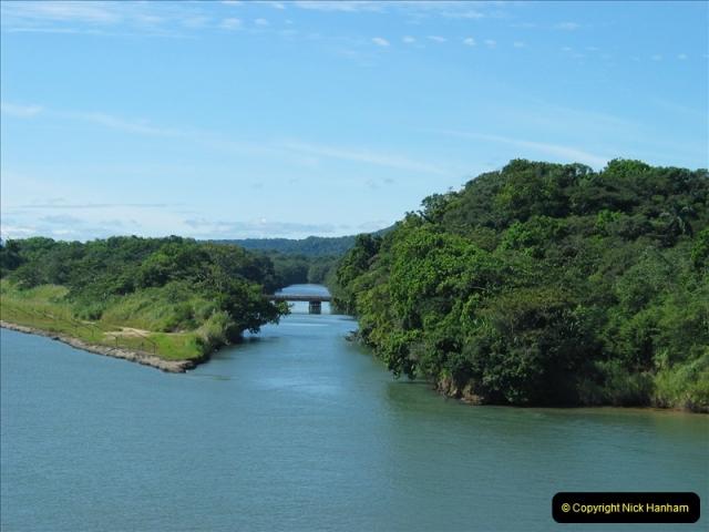 2005-11-18 PANAMA CANAL TRANSIT.  (2)326