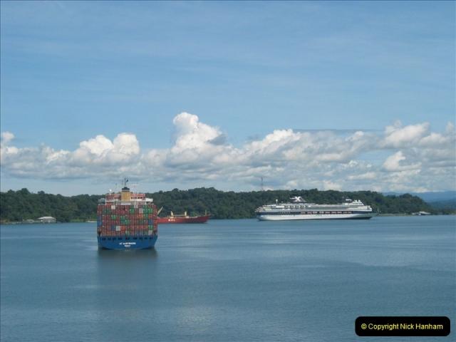 2005-11-18 PANAMA CANAL TRANSIT.  (24)348
