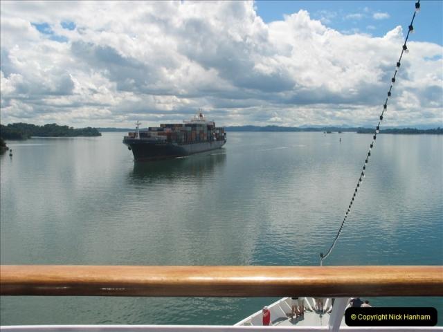 2005-11-18 PANAMA CANAL TRANSIT.  (25)349